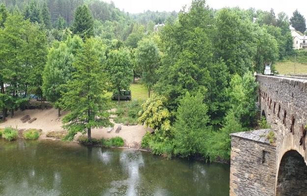 A vendre, camping vert en Occitanie