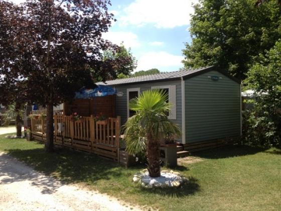 très beau camping résidentiel à vendre en Rhône Alpes